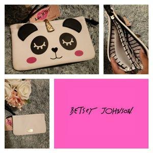 🔸Betsey Johnson🔸 Panda Unicorn Wristlet